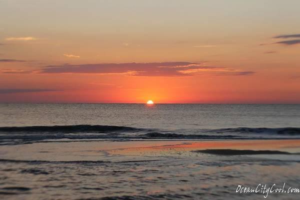 Photograph - Dawn's Waves by Robert Banach