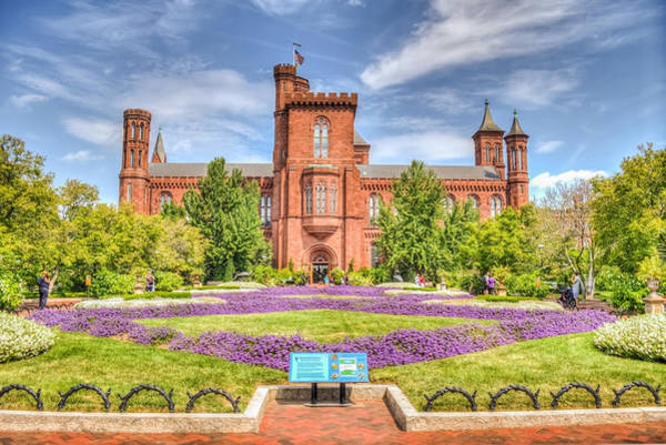 Smithsonian Photograph - Dc Castle Lawn by Dado Molina