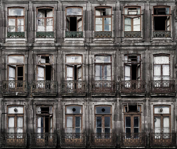Facade Photograph - Decay by Fran Osuna