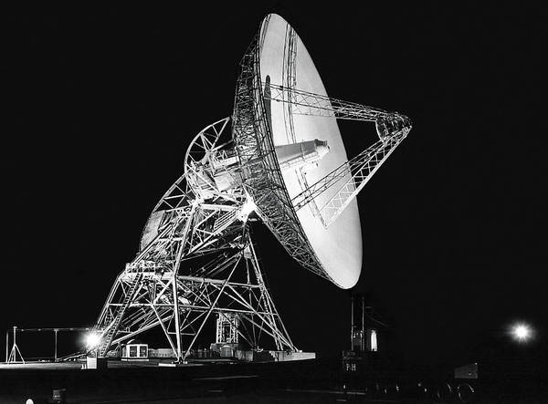 Satellite Dish Photograph - Deep Space Tracking Station by Underwood Archives