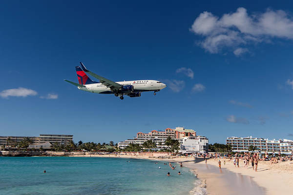 Delta Air Lines Wall Art - Photograph - Delta 737 St. Maarten Landing by David Gleeson