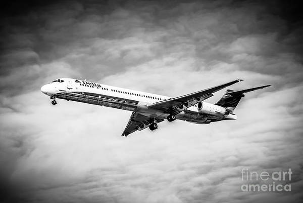 Delta Air Lines Wall Art - Photograph - Delta Air Lines Airplane In Black And White by Paul Velgos