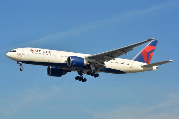 Lax Photograph - Delta Boeing 777-232lr N701dn Klax January 19 2015 by Brian Lockett
