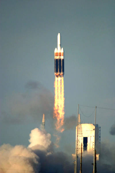 Delta Iv Photograph - Delta Iv Taking Off by Science Source