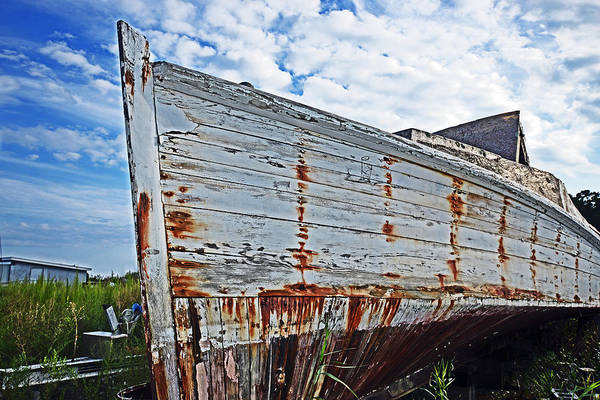 Photograph - Derelict Workboat In Greenbackville by Bill Swartwout Photography