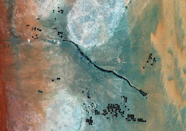 Landsat 7 Wall Art - Photograph - Desert Agriculture by Planetobserver/science Photo Library