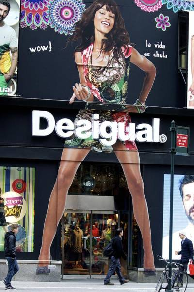 Photograph - Desigual Storefront by Alice Gipson