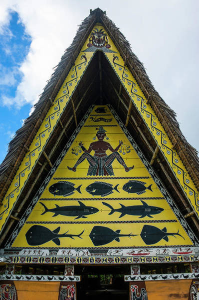 Historic Triangle Photograph - Detail Art Work In An Old Bai, Chief's by Michael Runkel