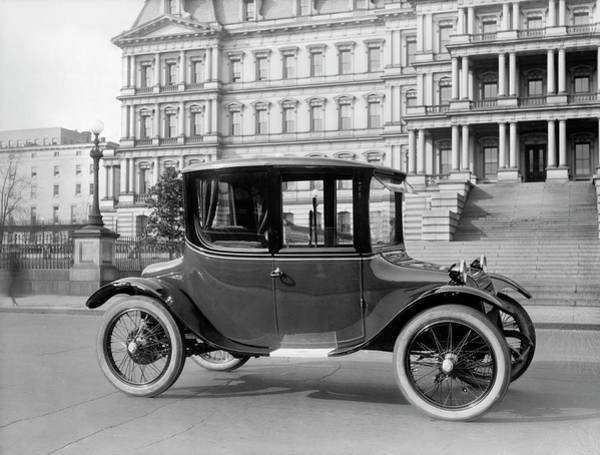 1921 Photograph - Detroit Electric Automobile by Library Of Congress/science Photo Library