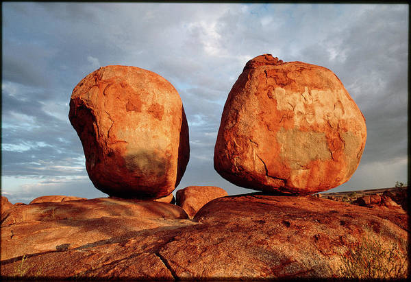 Wall Art - Photograph - Devil's Marbles by Peter Menzel/science Photo Library
