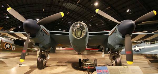 Photograph - Dh98 Mosquito by Dan Sproul