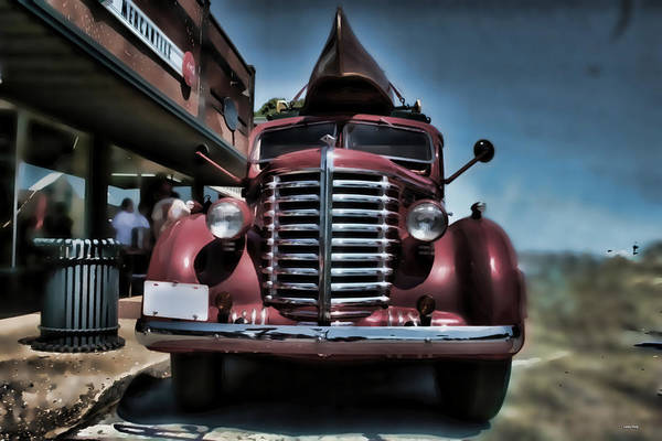 Photograph - Diamond T Vintage Truck Art by Lesa Fine