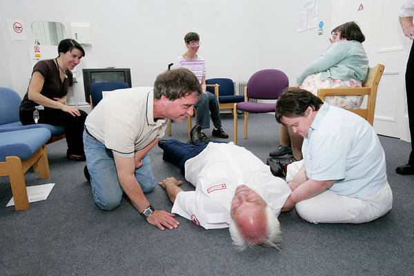 First Officer Photograph - Disabled People Learning First Aid by Gustoimages/science Photo Library