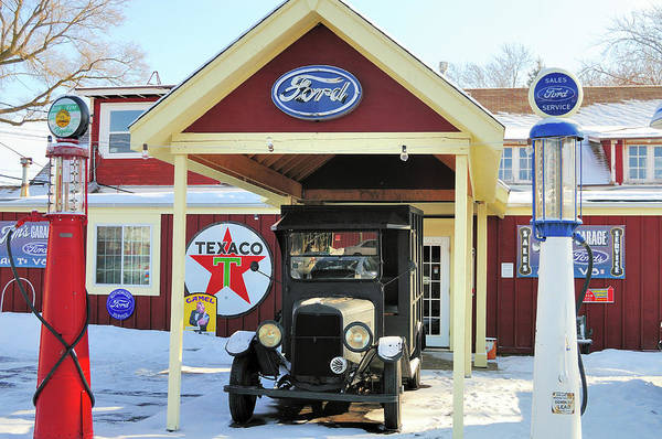 Offbeat Photograph - Display At Volo Auto Museum by Bruce Leighty