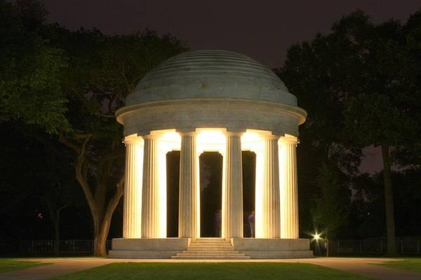 District Of Columbia World War I Memorial At Night Art Print