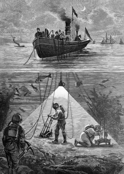 Work Boat Photograph - Divers Using Electric Lighting by Bildagentur-online/tschanz