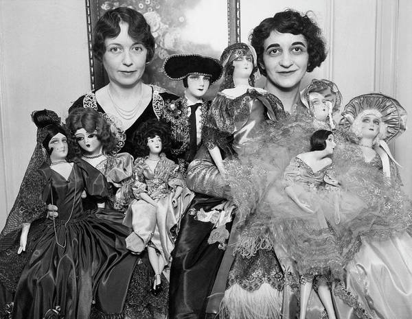Photograph - Dollmakers by Underwood Archives
