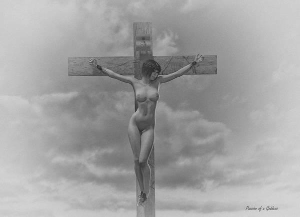 Crucifixion Digital Art - Donna In Croce by Ramon Martinez