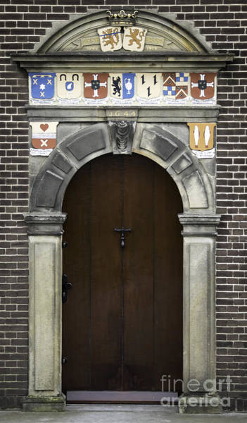 Noord Holland Wall Art - Photograph - Door In Kinderdijk by Teresa Mucha