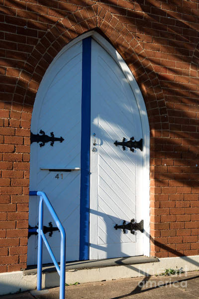 Photograph - Door Of Baptist Union Church Katoomba by Yew Kwang