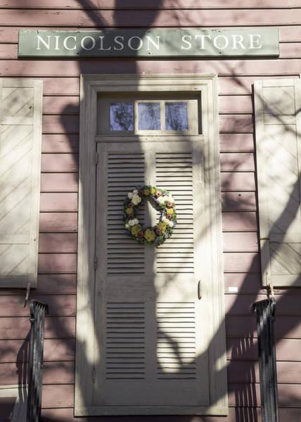 Royal Colony Photograph - Doors Of Williamsburg 16 by Teresa Mucha