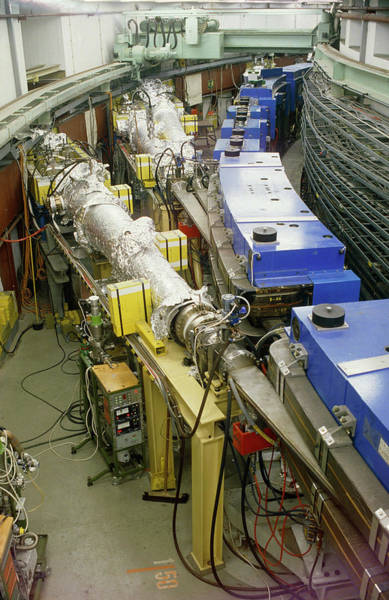 Particle Accelerator Wall Art - Photograph - Doris Electron/positron Collider by David Parker/science Photo Library