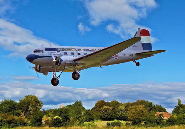 Digital Art - Douglas Dc3 by Paul Gulliver