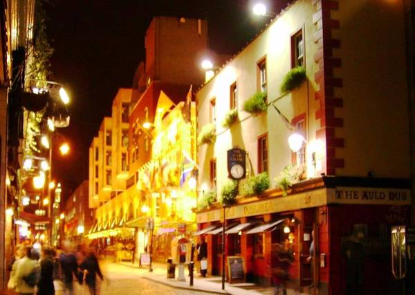 Wall Art - Photograph - Dublin Night by Valerie Howell