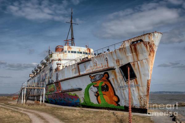 Wall Art - Photograph - Duke Of Graffiti by Adrian Evans