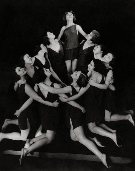 Group Of People Photograph - Duncan Dancers Of Moscow by Edward Steichen