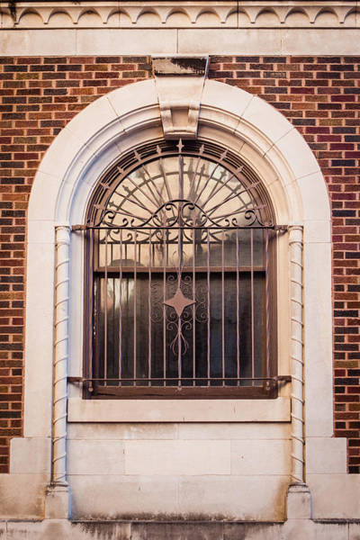 Photograph - Dwyer Street Window by Melinda Ledsome