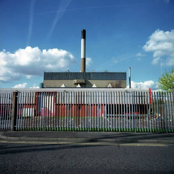 Station To Station Photograph - Eastcroft Refuse Incinerator by Robert Brook/science Photo Library