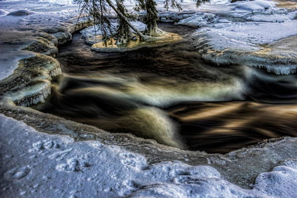 Photograph - Eau Claire Dells Snow And Ice by Dale Kauzlaric