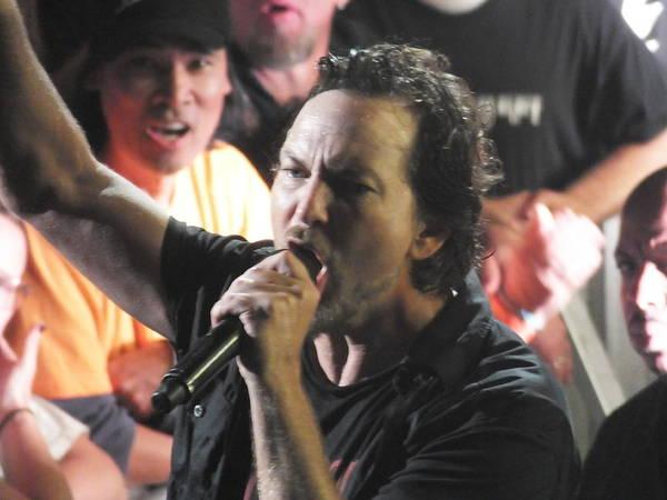 Pearl Jam Photograph - Eddie by Gary Koett