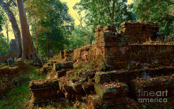 Photograph - Edge Of Ruin by Julian Cook