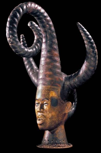 Headdress Photograph - Ejagham Headdress by Patrick Landmann/science Photo Library