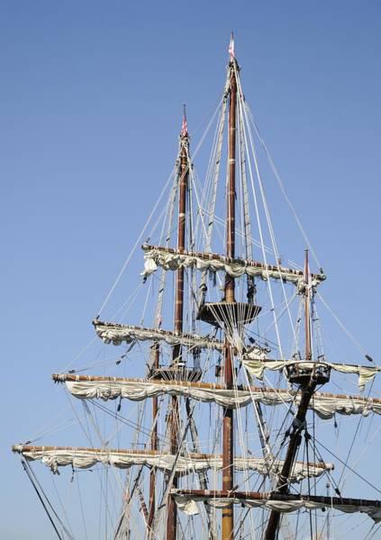 Photograph - El Galeon Masts by Bradford Martin