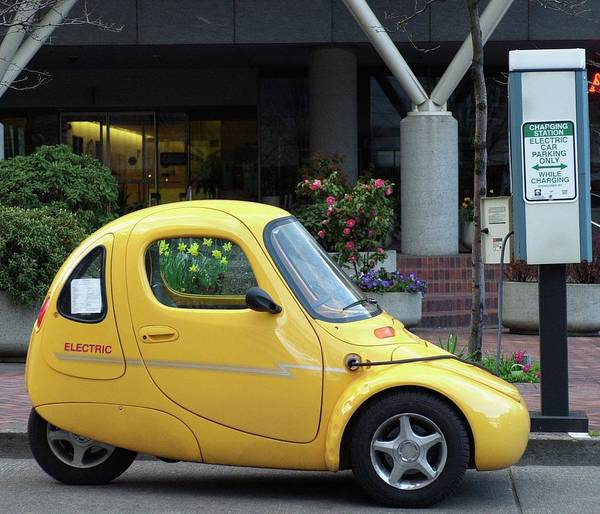 Battery Park Wall Art - Photograph - Electric Car Recharging by Mehau Kulyk/science Photo Library