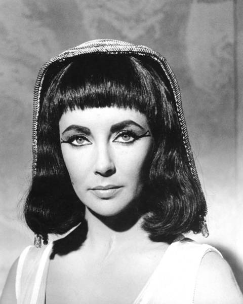Wall Art - Photograph - Elizabeth Taylor In Cleopatra  by Silver Screen