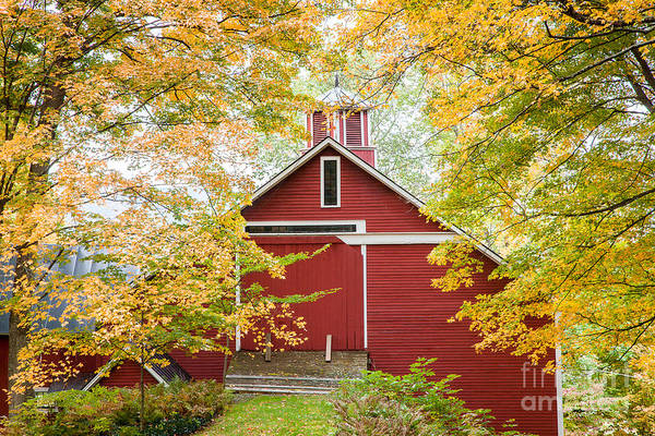Photograph - Elkins Tavern Barn by Susan Cole Kelly