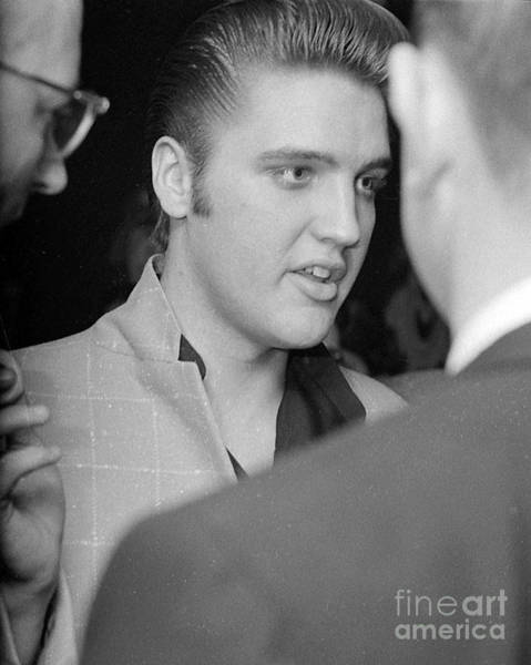 Wall Art - Photograph - Elvis Presely Speaking To Reporters 1956 by The Harrington Collection
