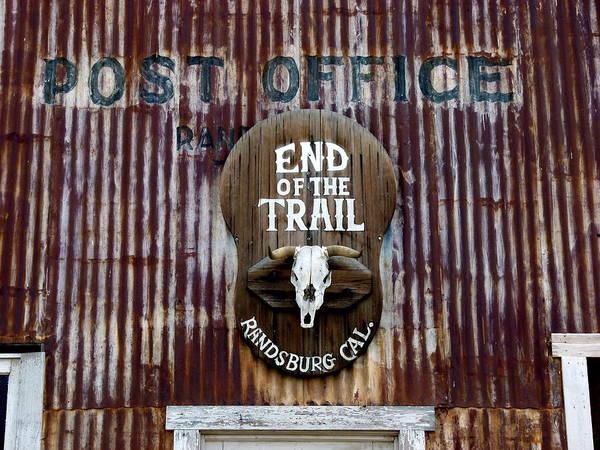 Photograph - End Of The Trail by Jeff Lowe