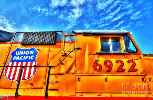 Photograph - Engine 6922 by Mel Steinhauer