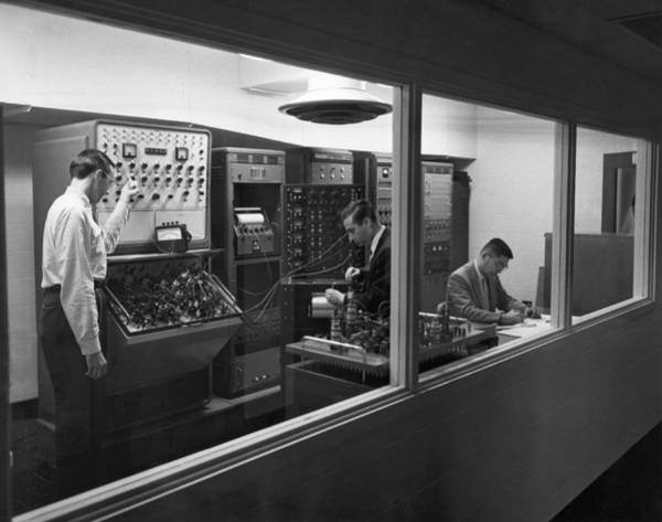 Wall Art - Photograph - Engineers Use Analog Computers by Underwood Archives