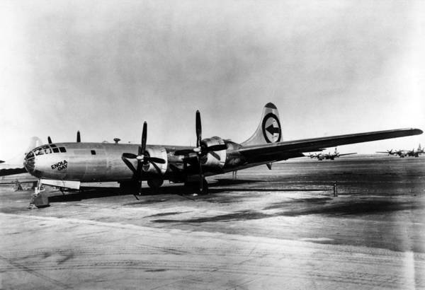 Superfortress Photograph - Enola Gay, 1945 by Science Source