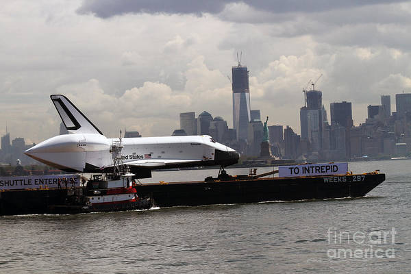 Enterprise To The Intrepid Air And Space Museum Art Print