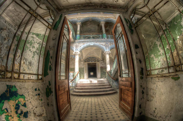 Grimy Wall Art - Digital Art - Entrance Of Beauty by Nathan Wright