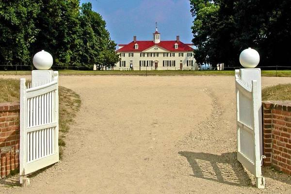 Photograph - Entrance To Mt Vernon by Ricardo J Ruiz de Porras