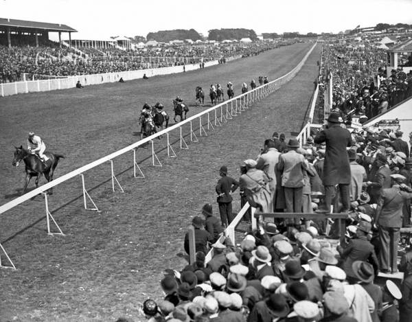 1929 Photograph - Epsom Derby Victory by Underwood Archives
