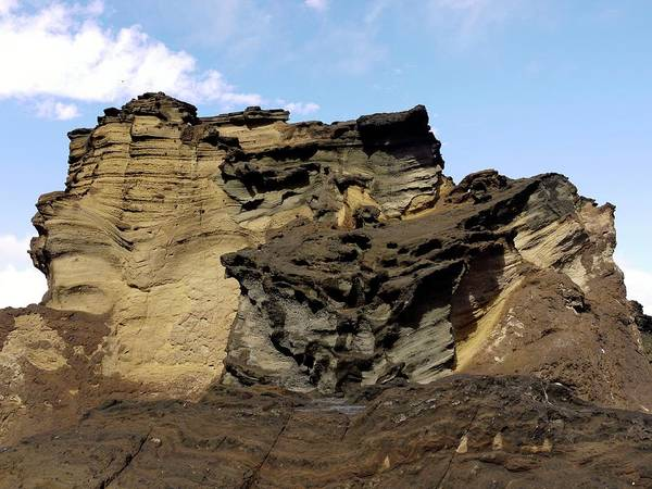 Eroded Wall Art - Photograph - Eroded Cliffs Of Sandstone And Lava by Tony Craddock/science Photo Library